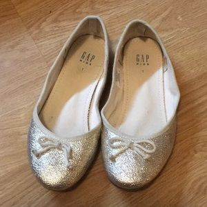 Gold ballet flats. Size 1.
